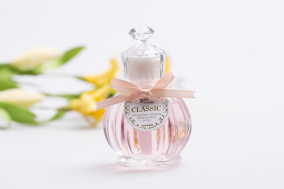 【20代・アラサー女子に人気】オススメの香水ブランド6選【フレグランス】